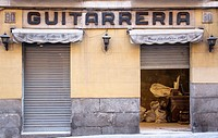 Guitarrería (guitar shop). Madrid, Spain