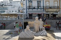Sculpture of fishermen on the beach, Albufeira, Algarve, Portugal, Europe