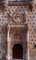 Doorway with the emblem of the Mendoza family, the facade of the Infantado Palace, Guadalajara, Castilla-La Mancha. Detail. Spain, 15th-16th century.