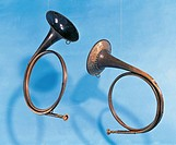 Hunting horn. 18th century.  Berlin, Musikinstrumenten-Museum (Musical Instruments Museum)