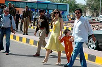 Hollywood model and actress Elizabeth Hurley with husband Arun Nayar and sun crossing road ; Rajasthan ; India NO MR