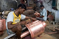 People making metal pots ; Tirupur ; Tamil Nadu ; India