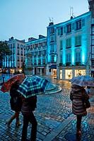 Rain, Christmas lights, Place Pasteur, Bayonne, Aquitaine, Pyrénées-Atlantiques, Basque country, 64, France.