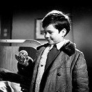 Grimm, olive * 3.4.1948 German actor, child star, with ball in a film scene