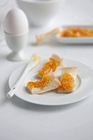 Buttered toast with orange marmalade
