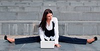 Flexible business _ woman with laptop