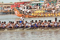 Snake boat race on punnamada lake ; Alleppey ; Alappuzha ; Kerala ; India NOMR
