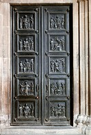 SG A, architecture, doors & gates, bronze door with ten relief fields, of Luca della Robbia 1400 _ 1482, door to the vestry, Santa Maria del Fiore, Fl...