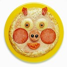 Pig´s head shaped pork pizza