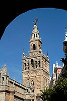 GIRALDA, MOORISH TOWER OF THE OLD 12TH CENTURY GREAT MOSQUE, SSEVILLE, ANDALUSIA, SPAIN