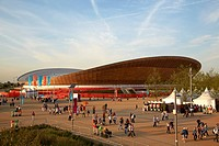 The velodrome, London, United Kingdom. Architect: Hopkins Architects Partnership LLP, 2011. Overall view during games.