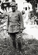 UIG-911-05-1400784 The Italian commander of the Third Army Boschi posing in Villa Bresciani Cervignano del Friuli 1915