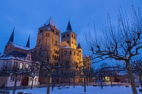 Cathedral of Trier in winter, illuminated at night, World Heritage Site, Trier, Rhineland-Palatinate, Germany