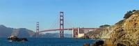 Die San Francisco Bay mit Blick Richtung Sausalito auf die Golden Gate Bridge, das bekannte Wahrzeichen San Franciscos. Die Brücke wurde 1937 fertigge...