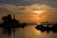 Sonnenuntergang an der Hafeneinfahrt von Phu Quoc, Vietnam, Südostasien