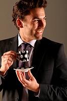 Mann mit Kaffeetasse