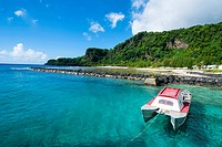 Pretty bay and turquoise water on Tau Island, Manua Island group, American Samoa, South Pacific, Pacific