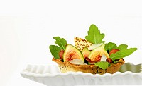 Fig and hazelnut tartlet