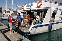 Diving boat, diver, divers, Port Ghaib, Marsa Alam, Egypt