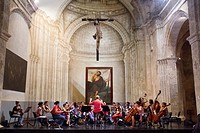 The chapel of the Third Order belongs to the convent of San Francisco in Old Havana, actually works as a chamber concert hall.