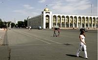 Kyrgyzstan, Bishkek, 06.07.2007, City scenery of the capital Bishkek. - BISHKEK, KYRGIZSTAN, 06/07/2007