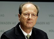 GERMANY, WOLFSBURG, Bilanzpressekonferenz der Volkswagen AG am 07.03.2006 : Hans Dieter POETSCH , Vorstandsmitglied. - WOLFSBURG, GERMANY, 07/03/2006