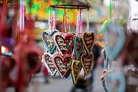 Germany, North Rhine-Westphalia, Cologne, gingerbread hearts