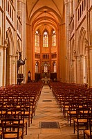 The nave of Saint-Benigne de Dijon cathedral.