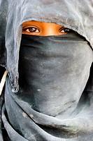 Muzeina tribe bedouin girl - Wadi Arada desert - Sinai Peninsula, Egypt.