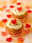 Romantic cupcakes.