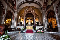 Italy, Lombardy, Milan, Sant'Ambrogio Basilica interior