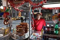 street food in 5th avenue.