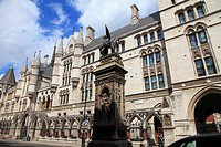 UK, England, London, City, Temple Bar, Royal Courts of Justice,.