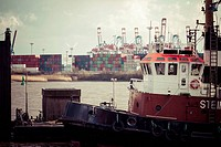 Germany, Hamburg, Port of Hamburg, Elbe river, Towboats