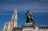 Cathedral of Our Lady (Onze-Lieve-Vrouwekathedraal) and Statue of Rubens