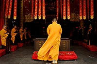 Buddhist ceremony, Jade Buddha Temple, Putuo District, Shanghai, China, Asia.