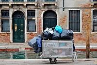 garbage disposal in Venice