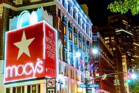 Macy´s Department Store, World's Largest Store, Herald Square, 34th Street, Midtown Manhattan, New York City, USA.