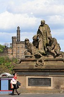 UK, Scotland, Edinburgh, North Bridge, statues, Calton Hill,