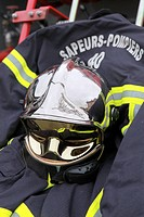 Fire-fighter's outfit