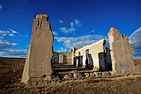 Fort Laramie at the forks of the Laramie and Platt River was one of the major trading and military posts in the American West in the 19th century. It ...