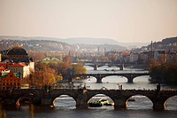 charles bridge an morning sun
