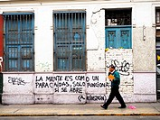 (The mind is like a parachute - it works only when is open) Graffiti in the Barranco district - Lima, Peru.