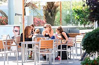 Cougar Town actress Busy Philipps having a laugh spending time having a coffee and a chat with girlfriends in West Hollywood Featuring: Busy Philipps ...