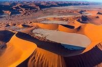 Deadvlei, Namib-Naukluft National Park, Namibia, Africa.