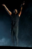Coachella 2015 - Week 1 - Day 3 - Performances Featuring: Drake Where: Indio, California, United States When: 13 Apr 2015 Credit: WENNCHELLA/WENN.com