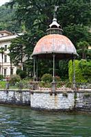 Romantischer Pavillon am Comer See, Norditalien