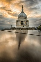 England,London-The dome of Saint Paul's Cathedral,reflection.