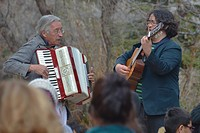 musicians, New Mexico, play spontaneously.