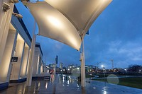 Seattle, Washington: Museum of History & Industry. A steady rain falls during Seattle´s First Thursday Art Walk. Established in 1952, the museum is th...
